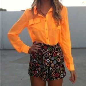 Chelsea & Violet orange buttoned down shirt. Small
